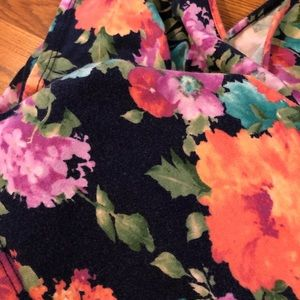 one clothing Tops - Floral Crop Tee